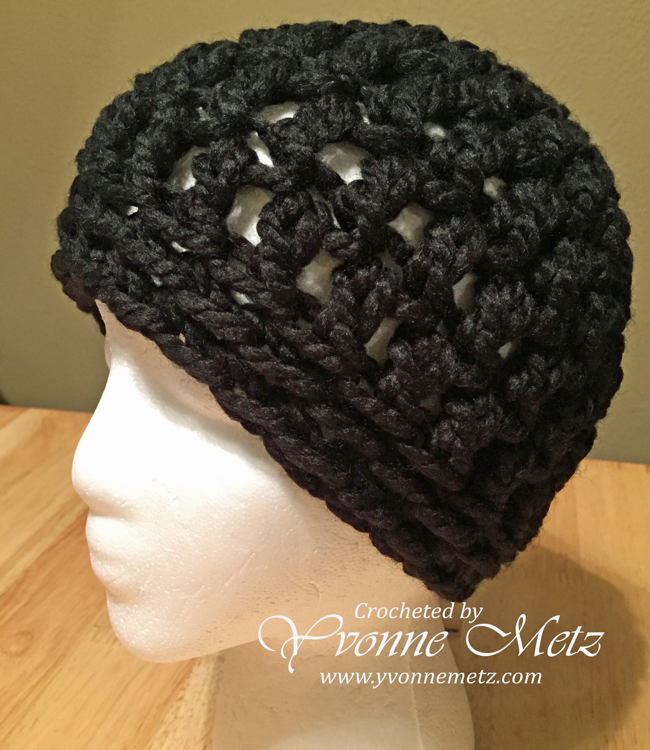 3857c398573 Materials Used  Yarn  Lion Brand Wool Ease Thick n Quick- Black Hook size   P Q 15.0 mm (Brand Clover Amour)