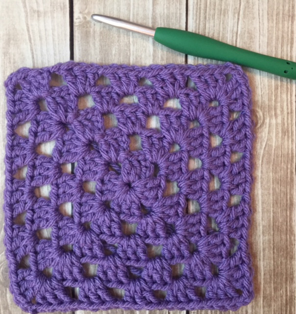 How to Crochet a Basic Granny Square – Yvonne Metz